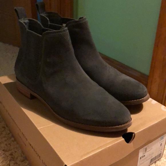 6a1c35792bd Toms Ella forged iron grey suede boot. M 5abfa81f2ae12f0e4ff433fd